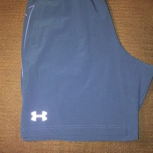 NWOT Women's Under Armour loose heat gear shorts